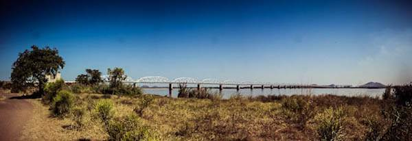 pano_mozambique_railbridge.jpg